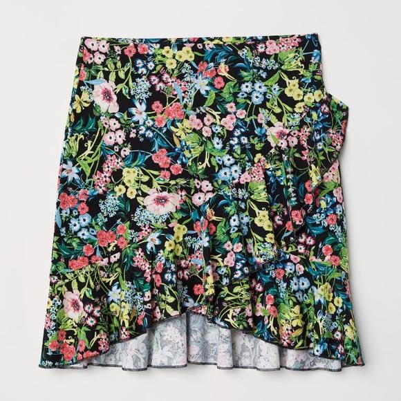 H&M Jersey Flounced Skirt Floral/Black Short M